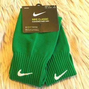 Nike Soccer Classic Cushioned Knee High Socks